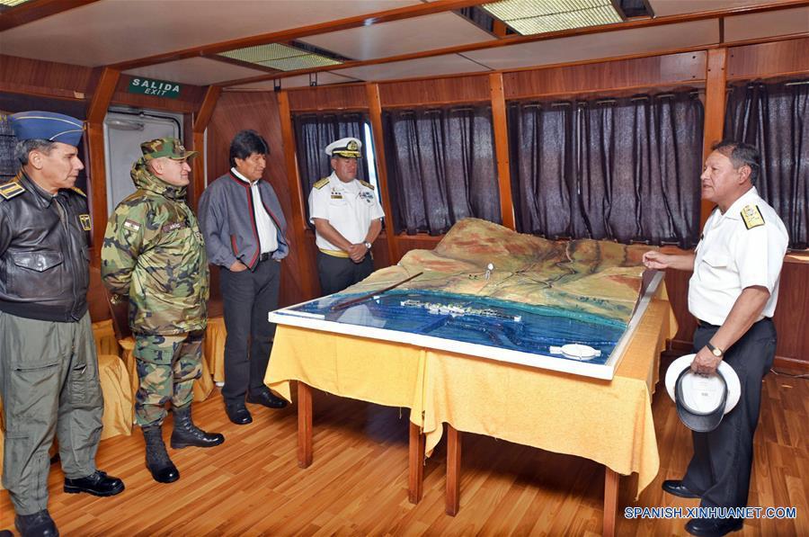 Resultado de imagen para evo morales y maniobras militares