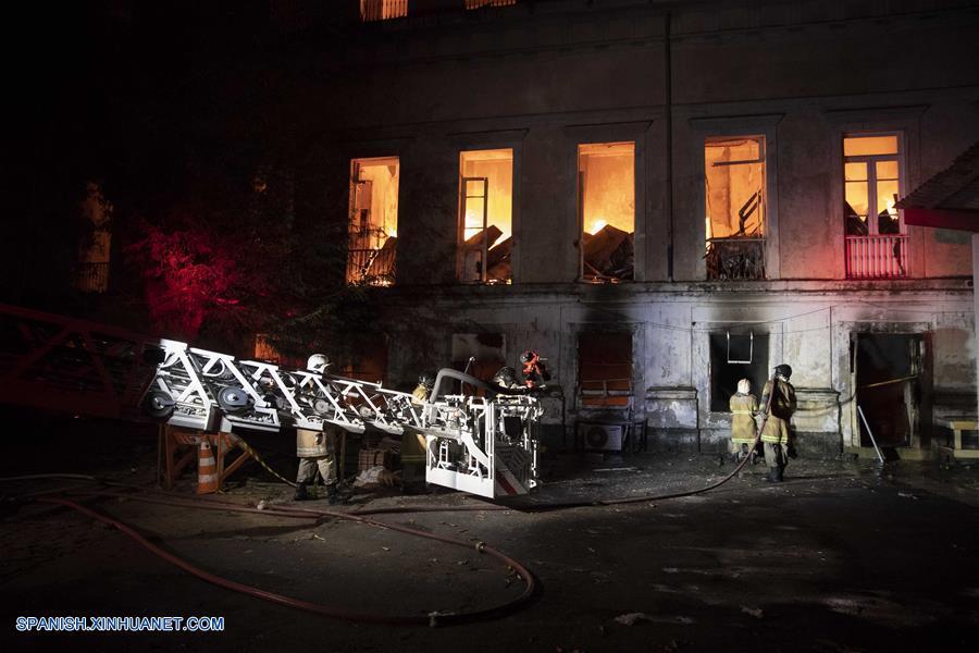resumen un gran incendio acaba con el museo nacional de brasil