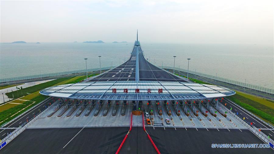 CHINA-ZHUHAI-PUENTE HONG KONG ZHUHAI MACAO-ABIERTO AL TRANSITO