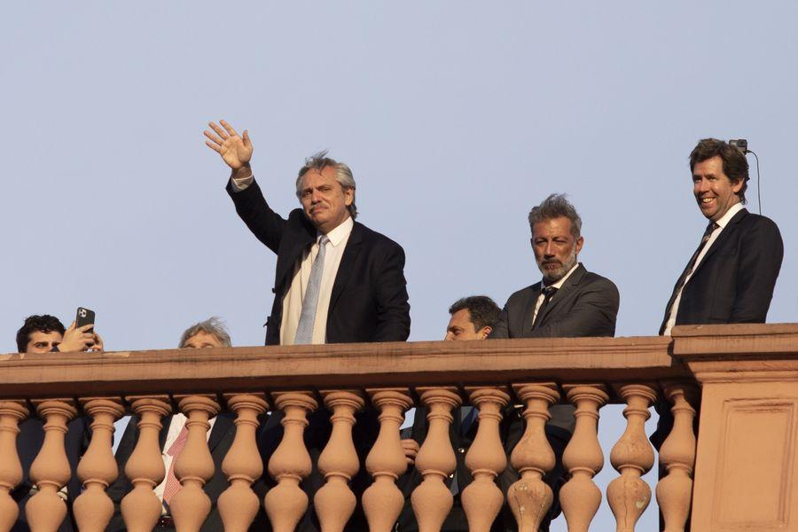 Multimedia Presidente Argentino Anuncia Que Mantendrá