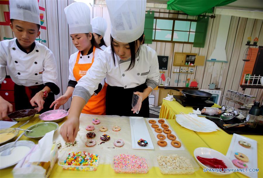 Concurso de cocina de un festival cultural ciudadano en - Concurso de cocina ...