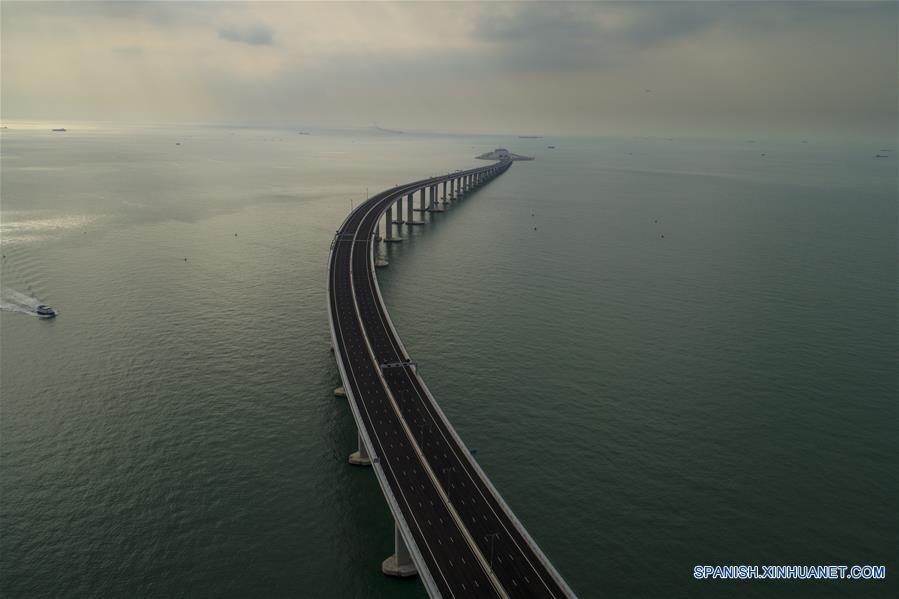 CHINA-HONG KONG-PUENTE-CONSTRUCCION