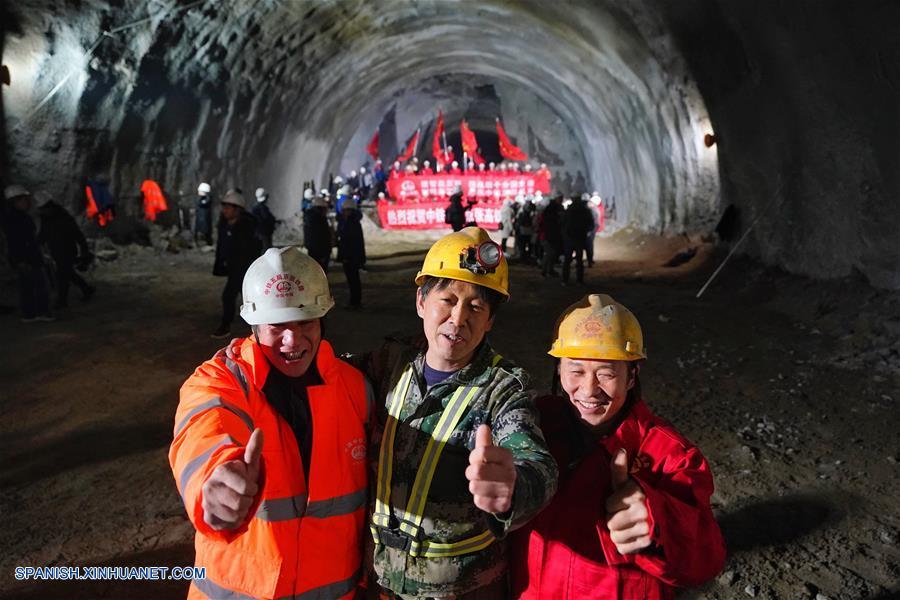 CHINA-BEIJING-TREN-TUNEL-CONSTRUCCION