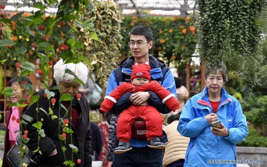 CHINA-BEIJING-FLORES-VACACIONES