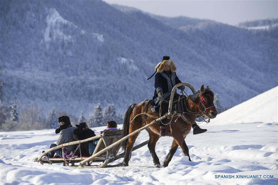 CHINA-XINJIANG-TURISMO-SERIE