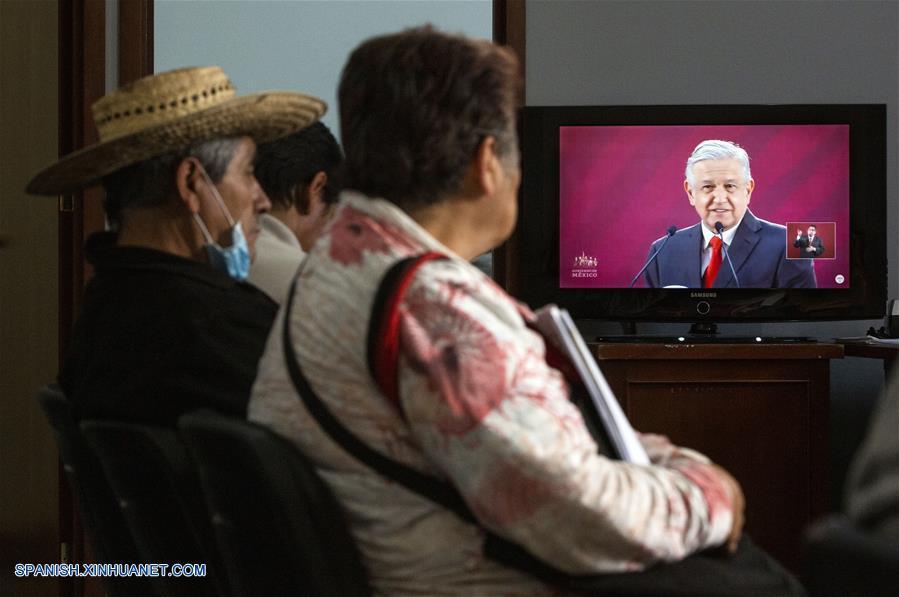MEXICO-CIUDAD DE MEXICO-LENGUAJE DE SEÑAS-SERIE