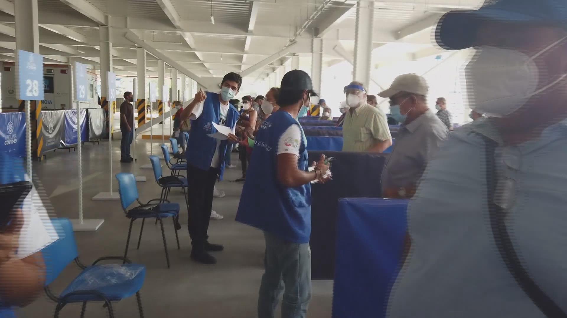 """Inauguran  """"megacentro""""  de vacunación contra COVID-19 en El Salvador"""