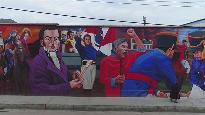 Mural narra proceso independentista de Perú