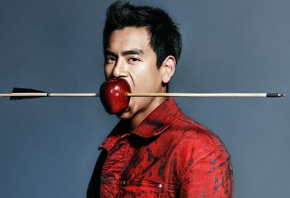 Actor Eddie Peng posa para For Him Magazine