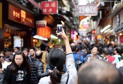 Muchos turistas pasan vacaciones de Fiesta de Primavera en Macao