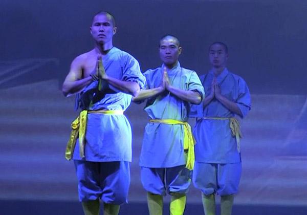 Monjes chinos de 'Shaolin' dan espectáculo de Kung Fu