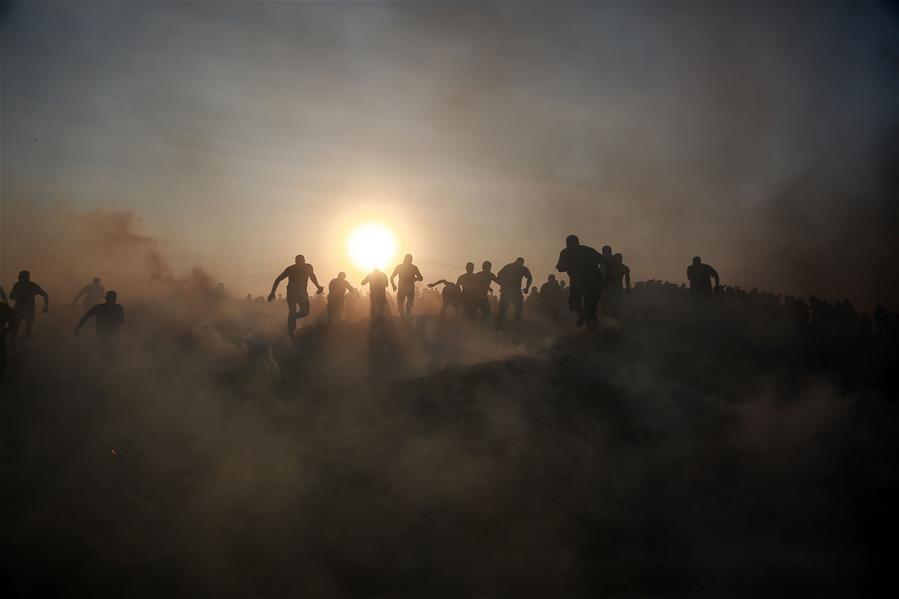 Al menos 95 palestinos resultaron heridos en enfrentamientos en la Franja de Gaza