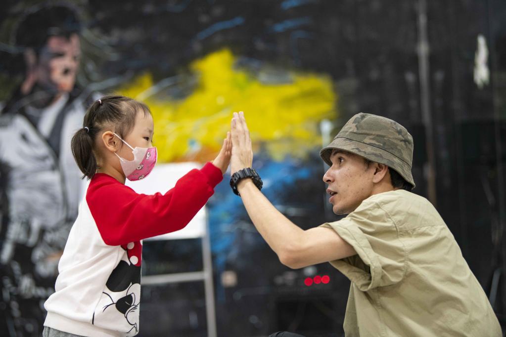 Profesor de baile urbano en Urumqi, Xinjiang