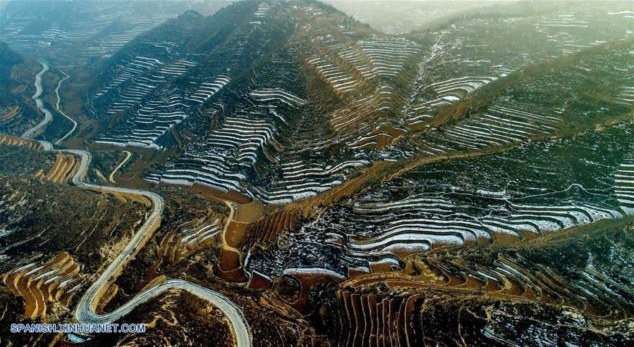 Hebei Vista De Paisaje De Cultivos De Terraza Cubiertos De