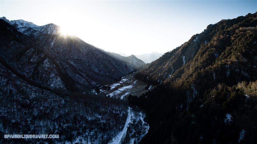 CHINA-QINGHAI-PARQUE GEOLOGICO FORESTAL NACIONAL BEISHAN